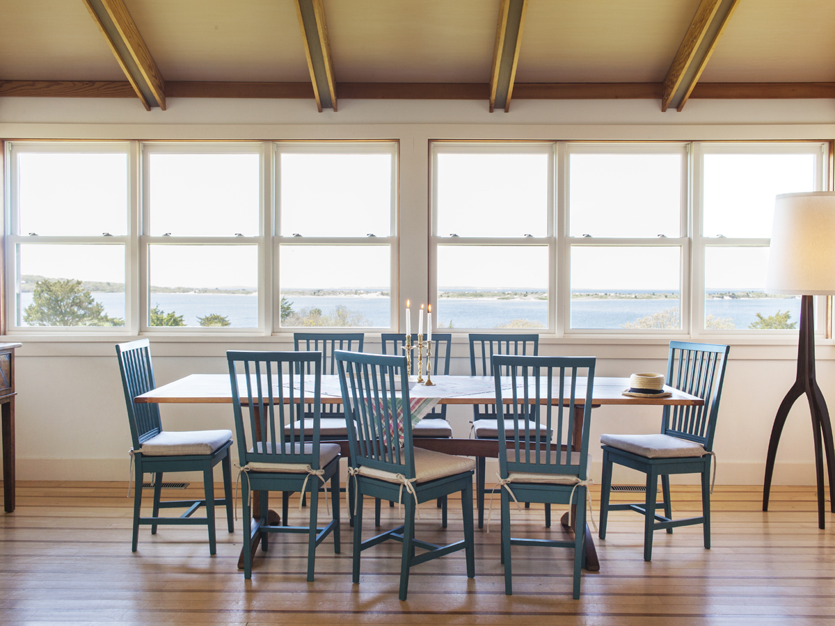 6_Kate-MaloneyInteriorDesign_MarthasVineyard_Dining-Room