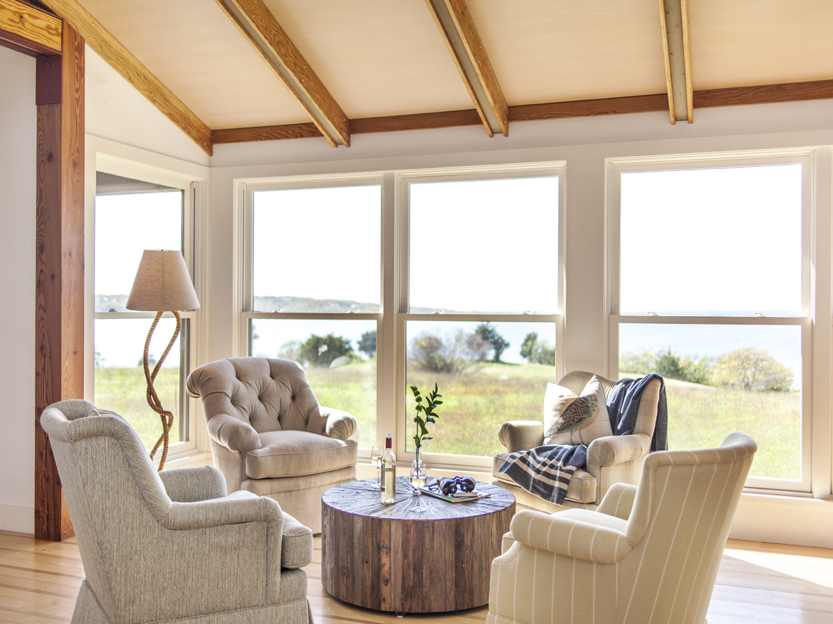 9_Kate-MaloneyInteriorDesign_MarthasVineyard_Lounge-Chairs